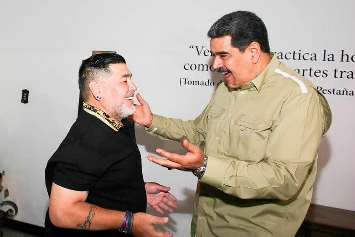 Maradona se reunió con Maduro, pero sigue firme en el Bosque