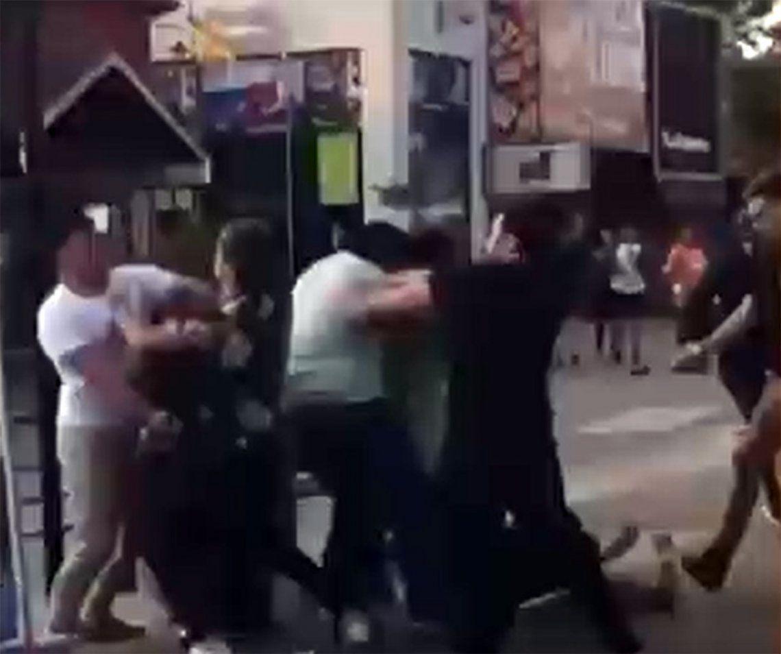Villa Gesell: difunden video de una nueva pelea en la peatonal de la ciudad