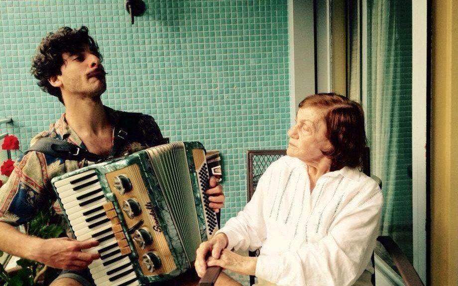 Serebrenik grabó más de dos mil videos con su abuela Sofía Raizman.