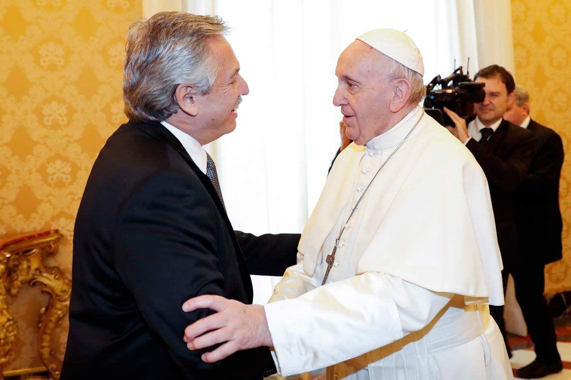 El Papa Francisco le pidió a Alberto Fernández que sea «mensajero de paz»
