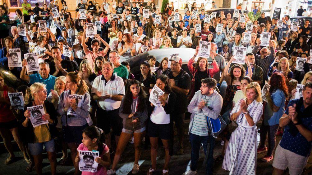 La familia de Fernando Báez encabezó una marcha de silencio en Parque Rivadavia
