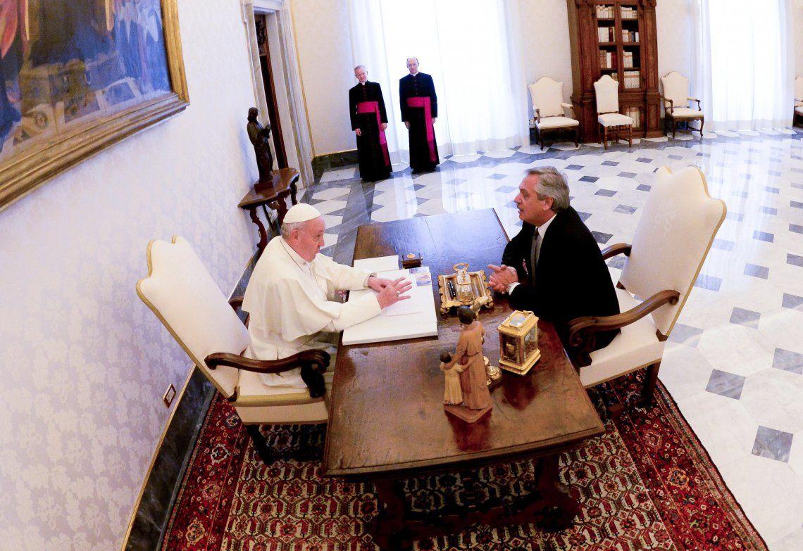 El presidente Fernández aseguró que durante los 44 minutos que duró la entrevista con el Papa no tocó el tema del aborto.
