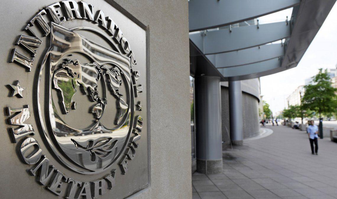 Casi U$S 44.000 millones corresponden al FMI.
