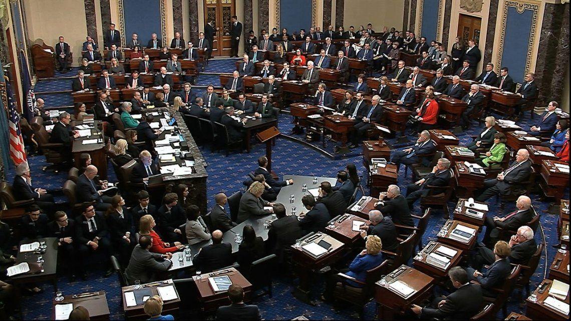 Trump fue absuelto por el Senado de Estados Unidos del cargo de obstrucción al Congreso