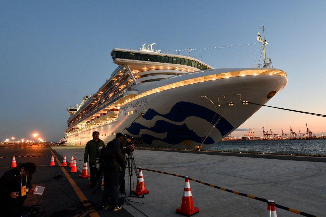 Japón: ocho argentinos en un crucero en cuarentena con casos de coronavirus