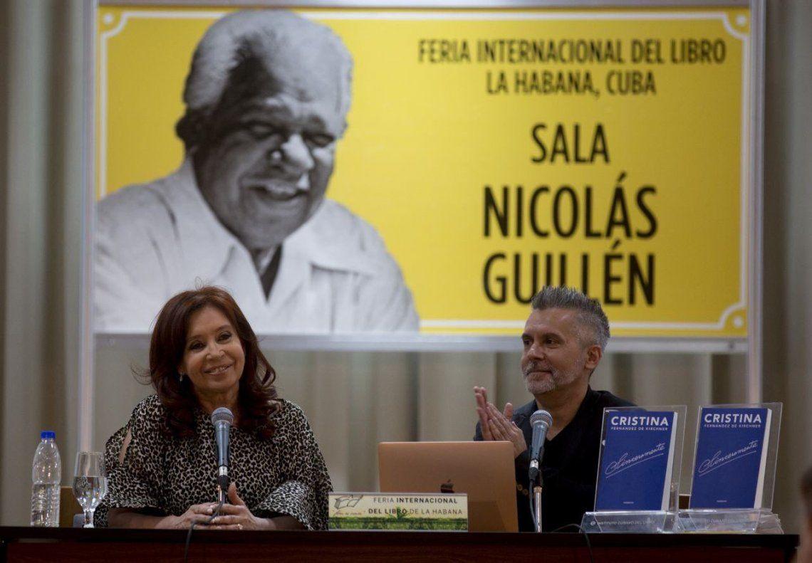 Cristina pidió un Nunca más de la deuda y afirmó: El FMI prestó para que se fugara el dinero