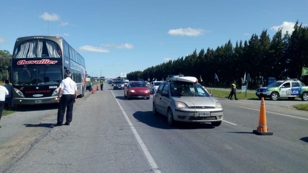 Peligro en la Ruta 2: choferes hacían zigzag y los detuvieron por consumo de cocaína