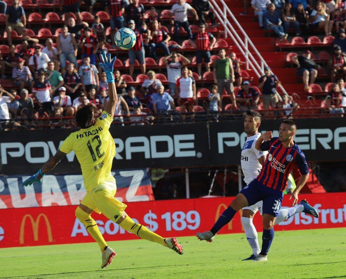 San Lorenzo aguantó con uno menos y se dio el gusto ante Vélez