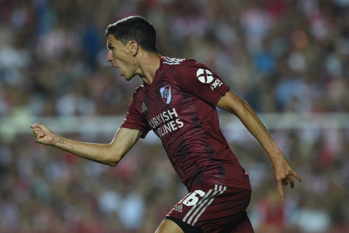 Nacho Fernández dijo que le gusta cabecear y con ironía agregó que a veces se confunde y hace goles