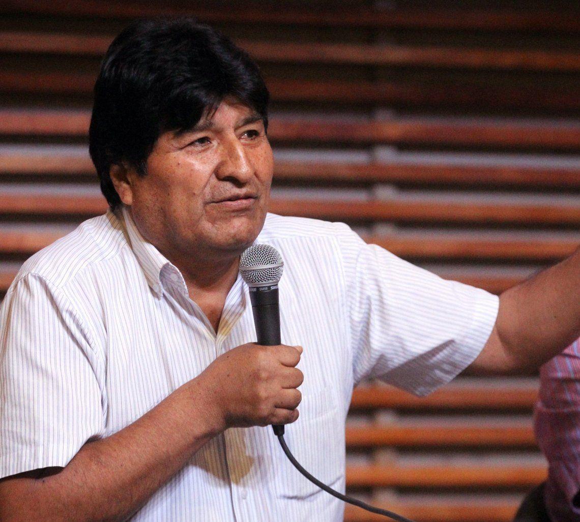 Evo Morales viajó a Cuba por problemas de salud