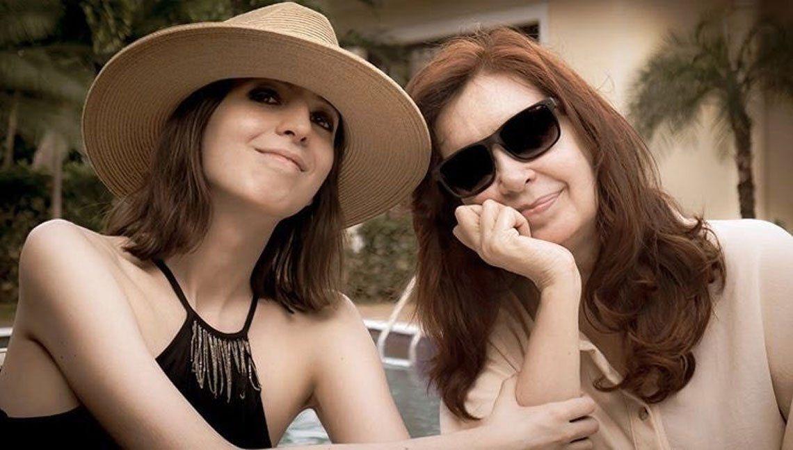 Desde Cuba, Cristina Kirchner publicó la primera foto con su hija Florencia