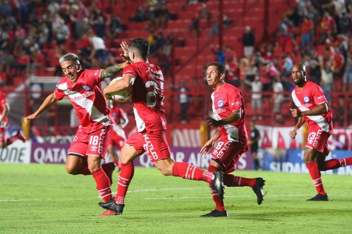 Argentinos debutó con un empate ante Sport Huancayo por la Copa Sudamericana