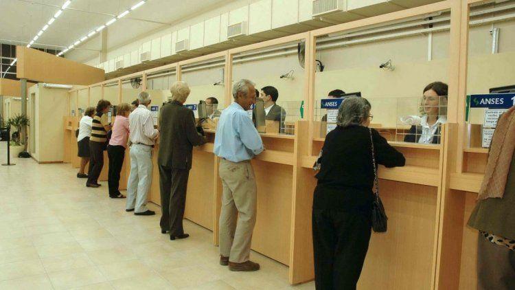 Gobierno oficializó el aumento de los haberes jubilatorios