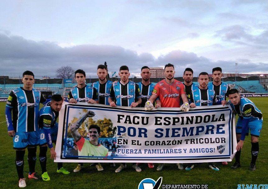 Facundo Espíndola había atajado un par de temporadas en Almagro