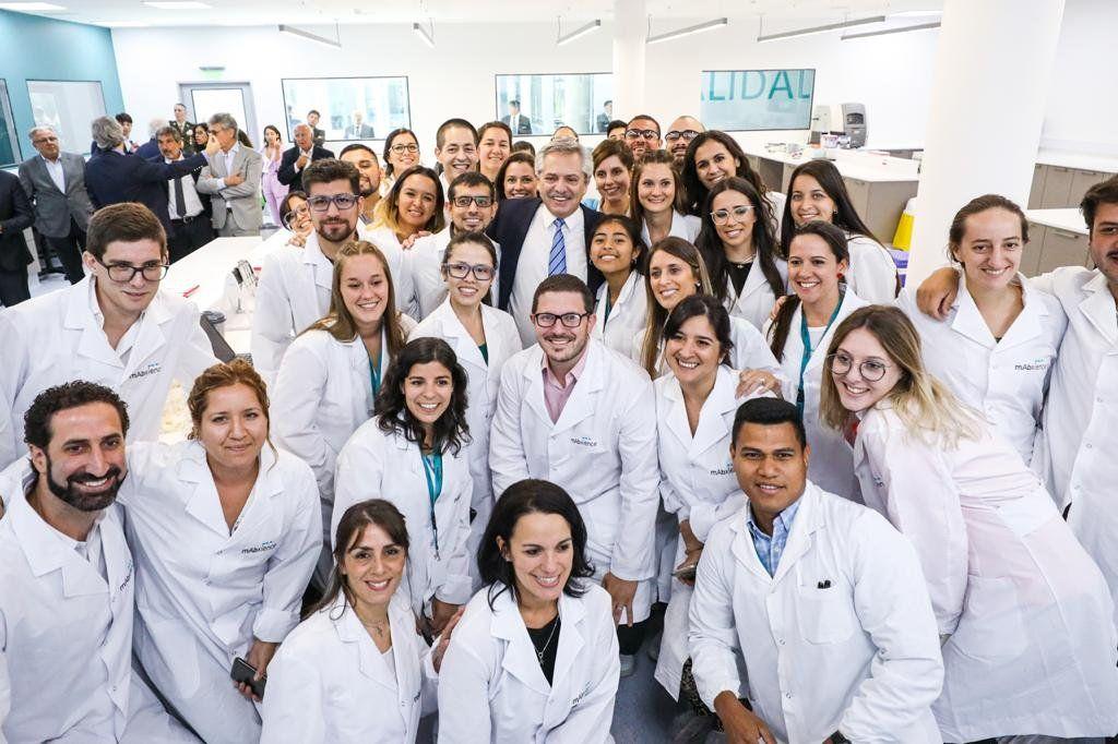 Escobar: Alberto Fernández asistió a la inauguración de una planta de medicamentos biológicos