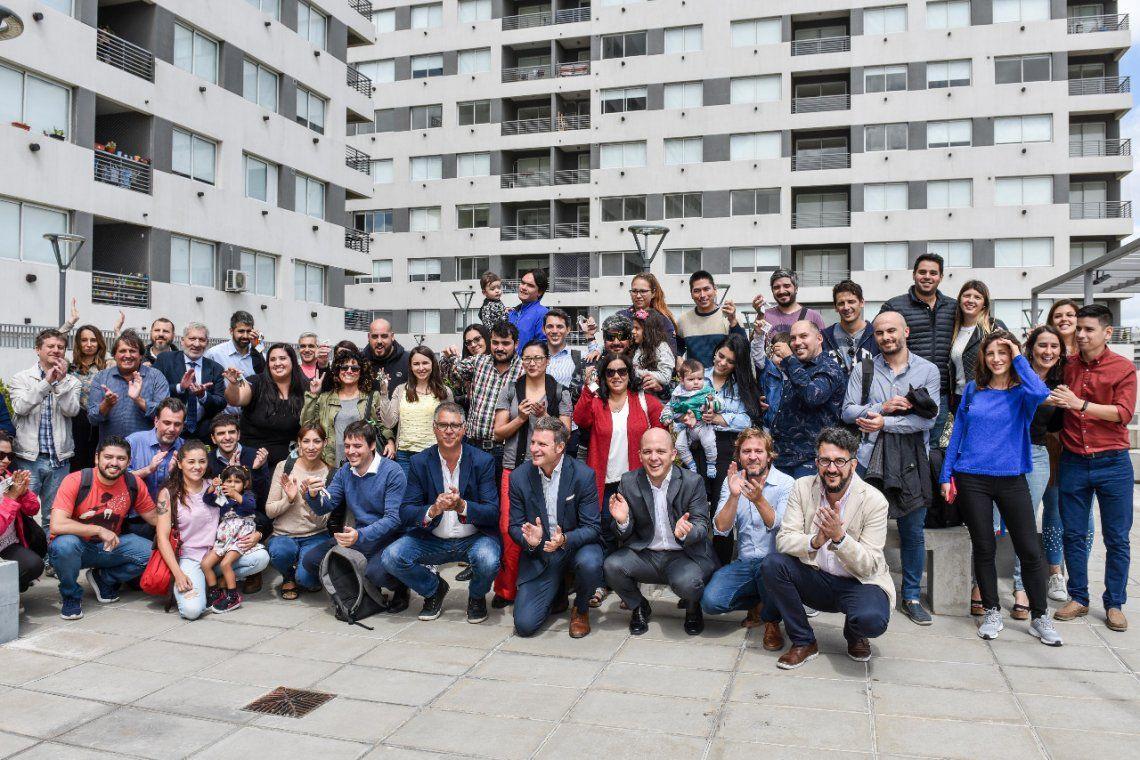 Legisladores porteños del Frente de Todos acompañaron la entrega de viviendas PROCREAR en la Ciudad