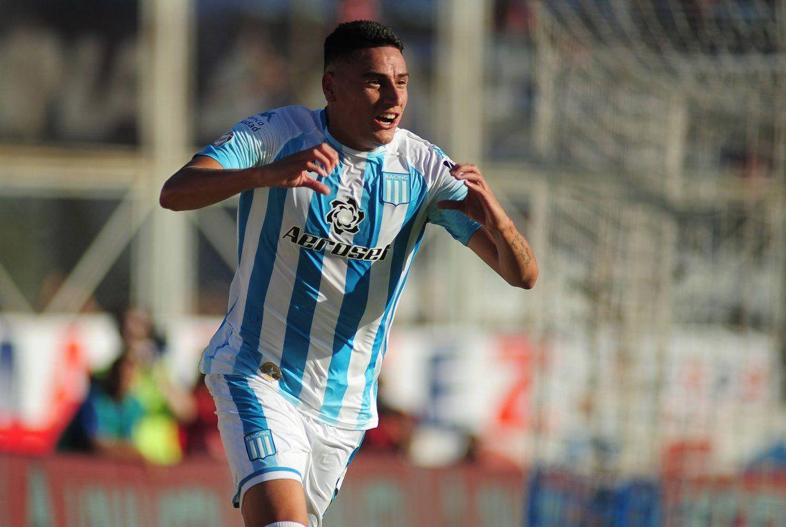 Superliga: Racing venció a San Lorenzo en el Nuevo Gasómetro y se prende a la lucha por terminar el torneo en el podio