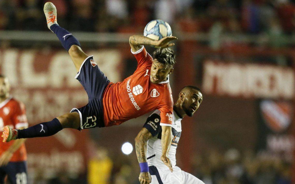 Superliga: Independiente fue un espanto y el Lobo de Maradona lo ganó en el final