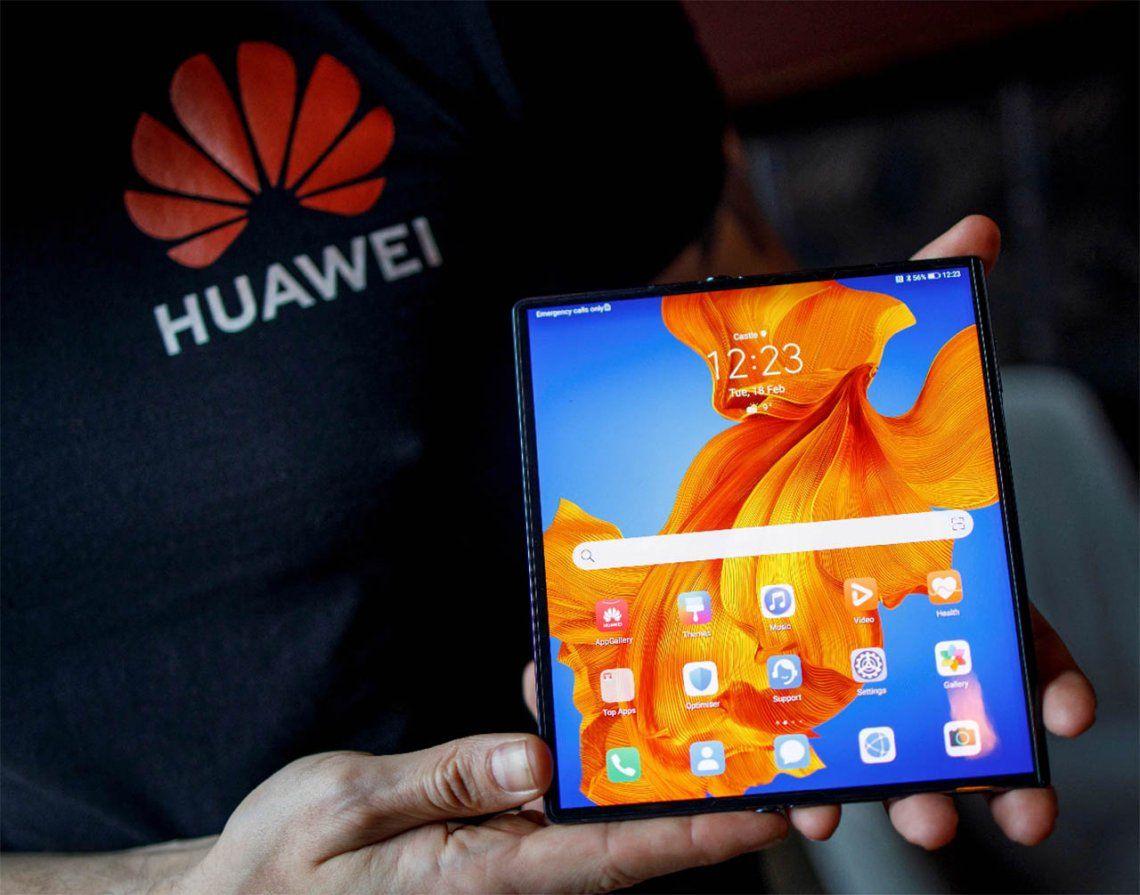 Huawei se lanza al mercado de teléfonos plegables para competir contra Samsung y Motorola
