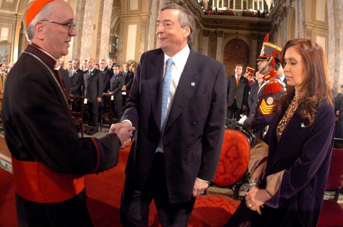 25 de mayo de 2006. Néstor Kirchner y Cristina Fernández de Kirchner durante el Te Deum encabezado por el Cardenal argentino Jorge Bergoglio