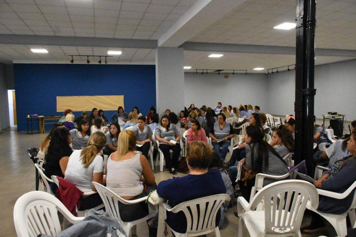 En el encuentro de capacitación participaron distintas áreas municipales.