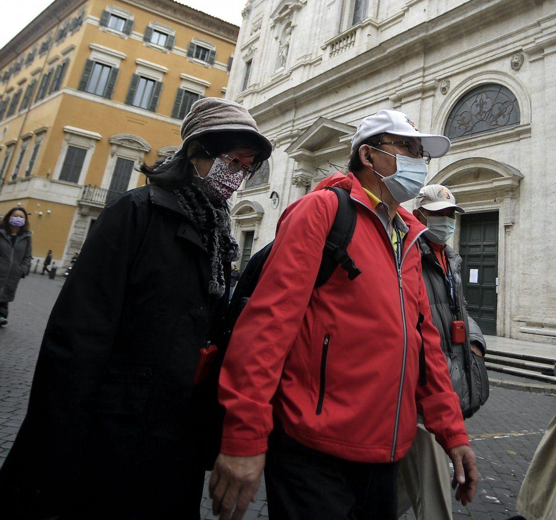 Italia aumenta medidas de prevención y ayuda por el coronavirus: 1128 enfermos y 30 muertos