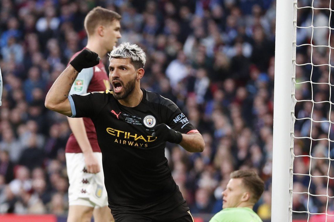 Con un gol de Aguero, Manchester City se coronó tricampeón de la Copa de la Liga inglesa
