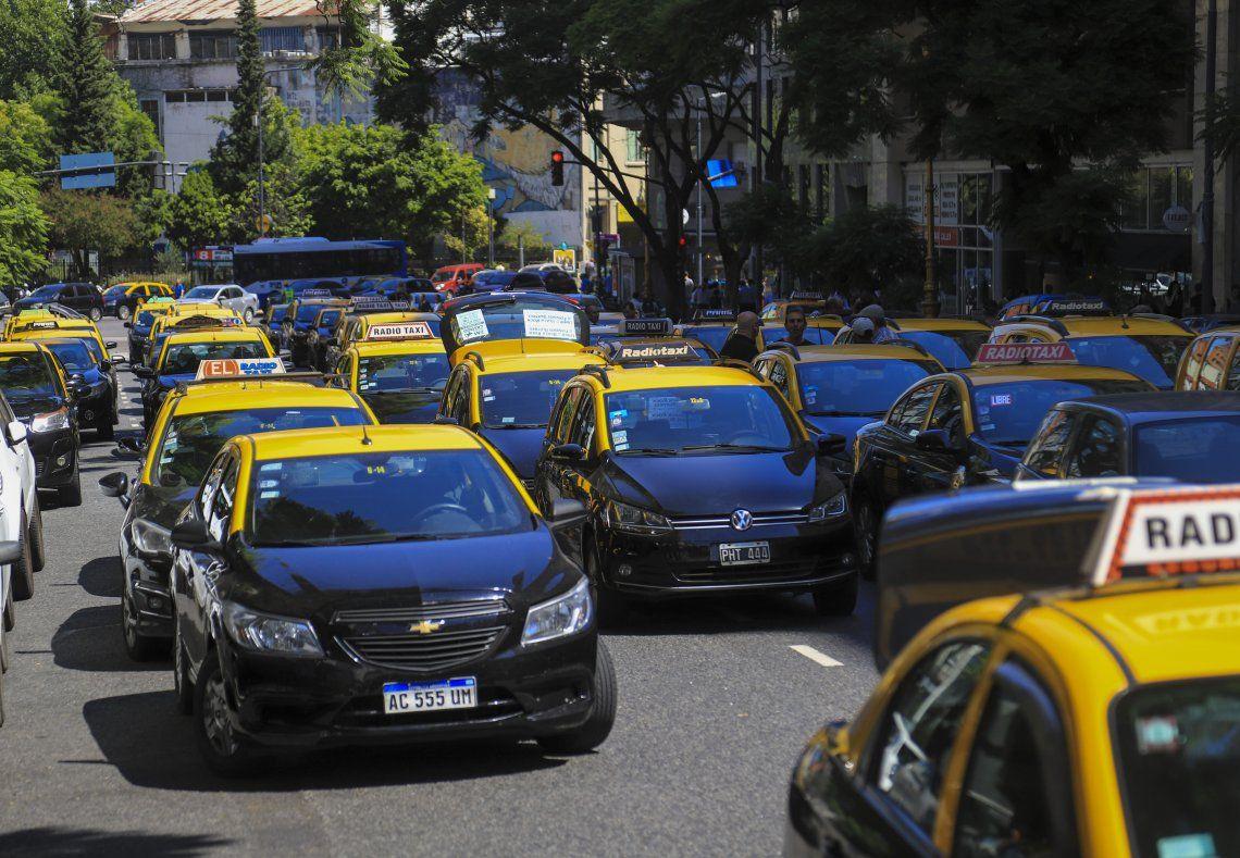 Buscan que los taxis modelo 2009 y 2010 puedan seguir circulando en 2021