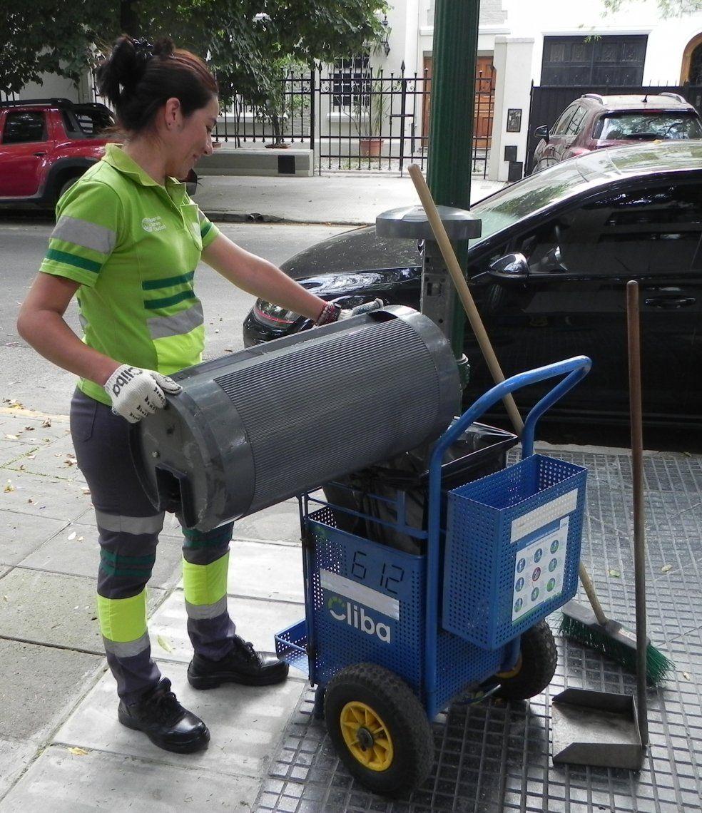 Nancy Moreno, la barrendera de Belgrano