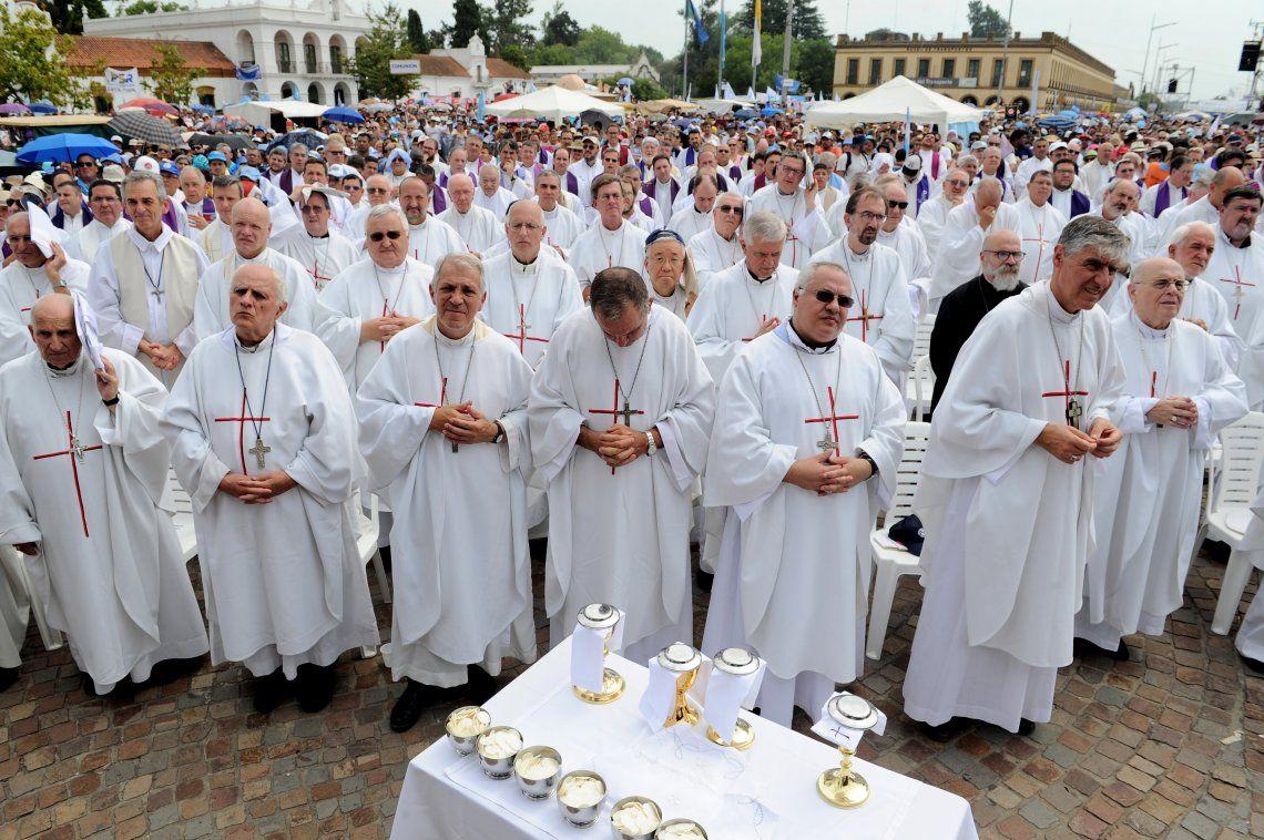 En el Día Internacional de la Mujer, la Iglesia realizó una misa en Luján contra la lucha por el derecho al Aborto Legal