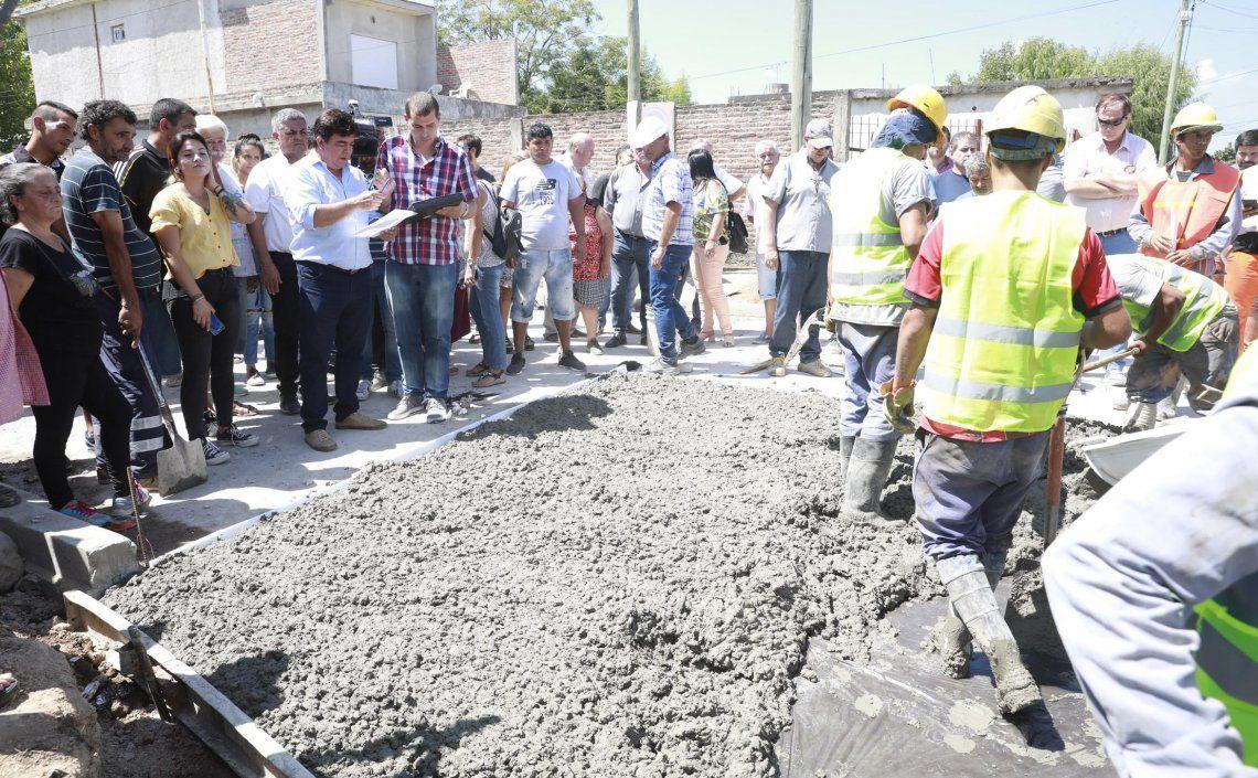 El intendente supervisó los trabajos en el barrio Santa Rita de González Catán.
