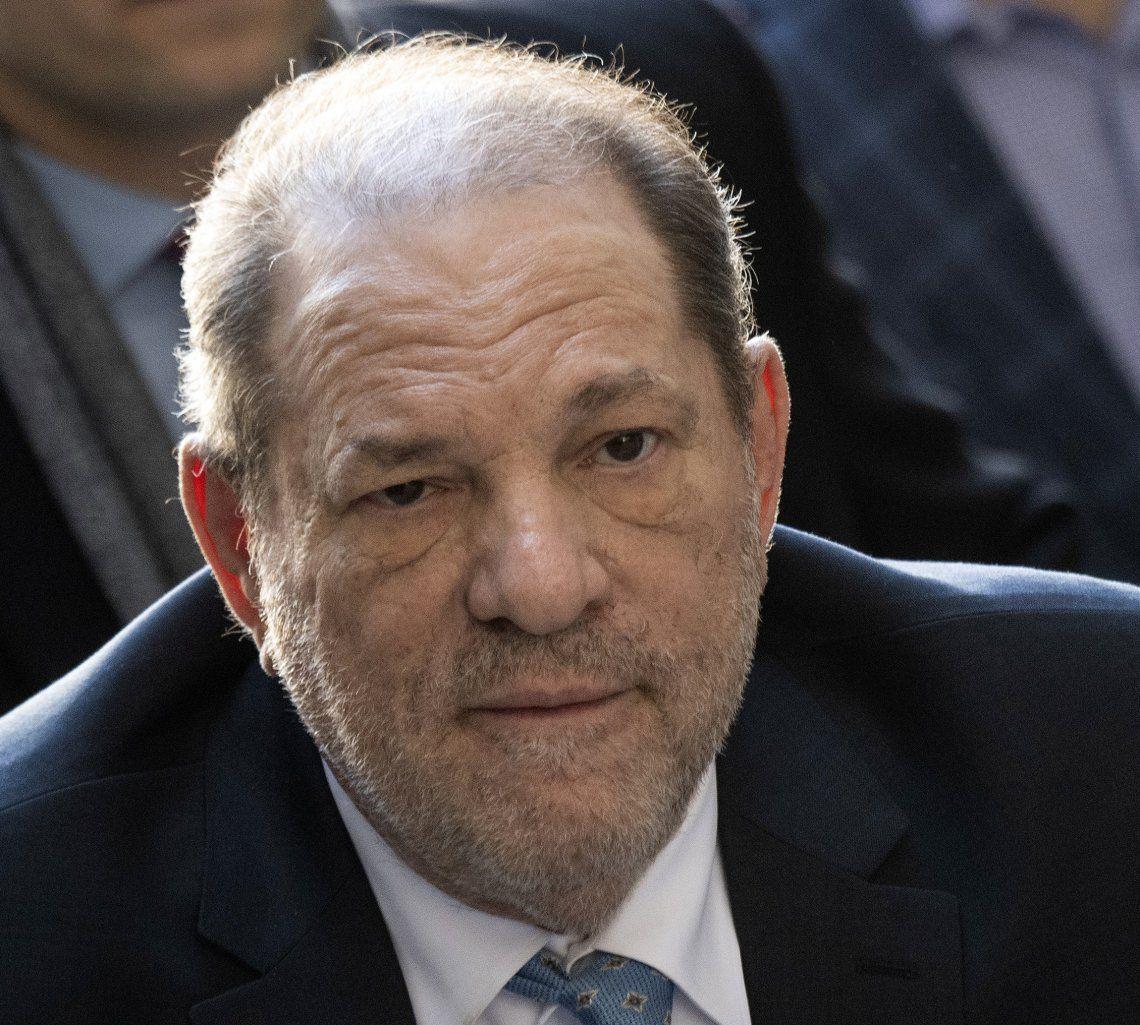 El productor de Hollywood Harvey Weinstein dio positivo de coronavirus en prisión