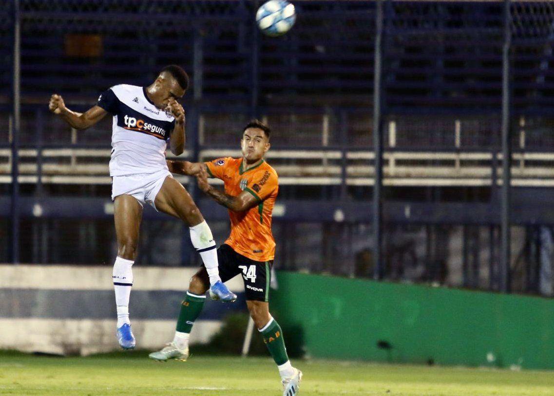 Copa Superliga: el Gimnasia de Maradona y Banfield igualaron en cero en el debut de ambos