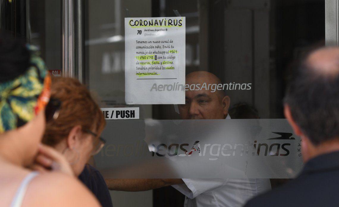 Aerolíneas Argentinas devuelve dinero de pasajes al exterior a los que los cancelaron.