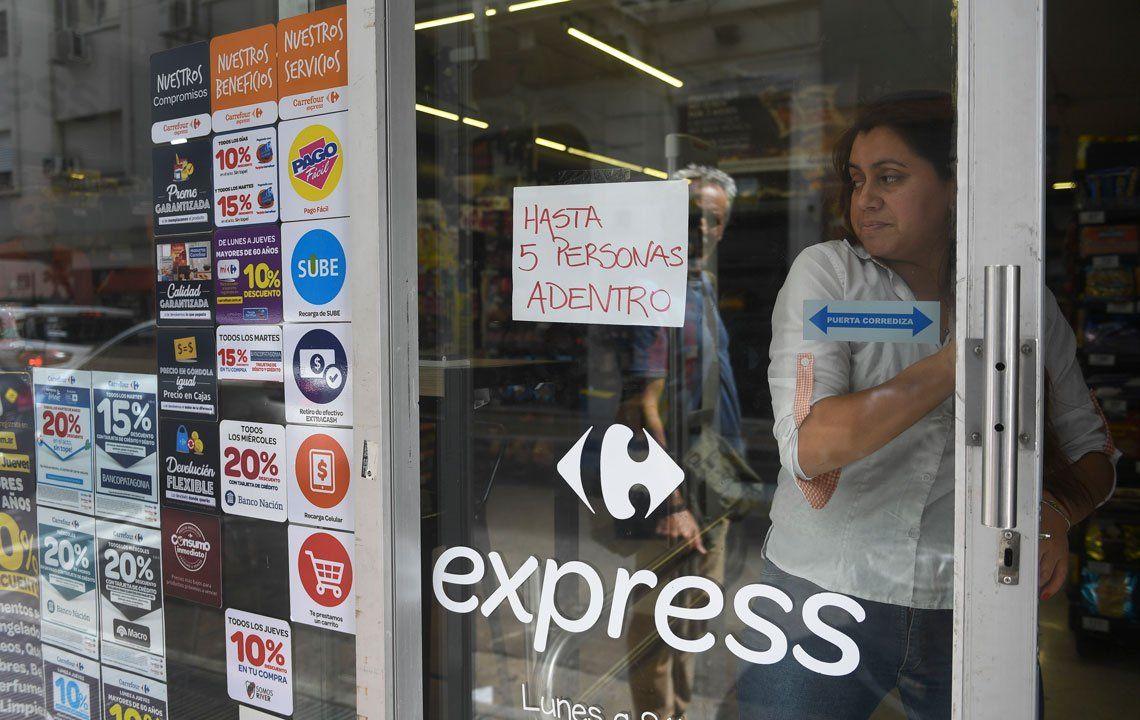 Los supermercados realizan medidas de prevención por el Coronavirus