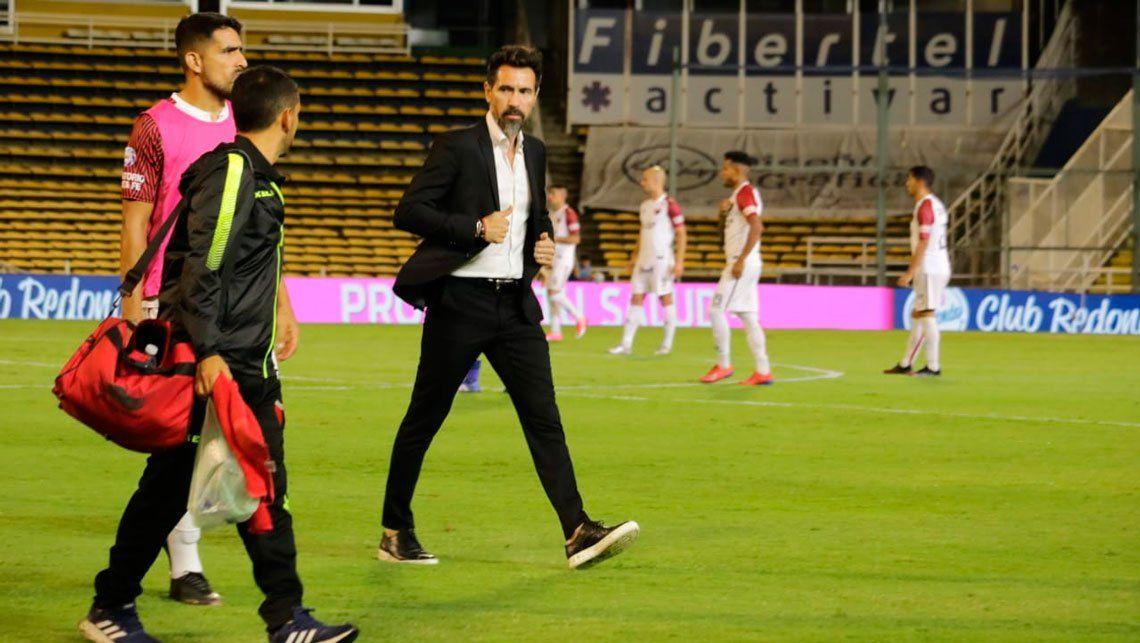 Colón sorprendió a Rosario Central en el debut de Eduardo Domínguez