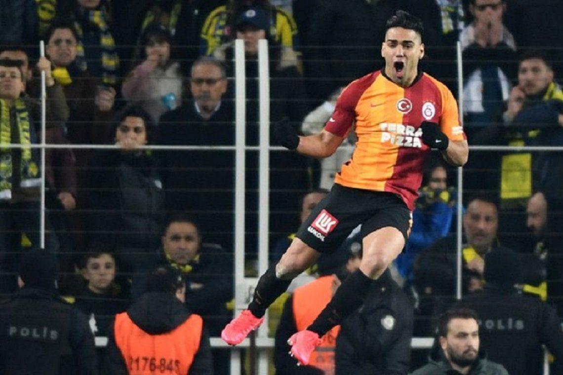Turquía suspendió el fútbol luego de la ola de reclamos de los jugadores