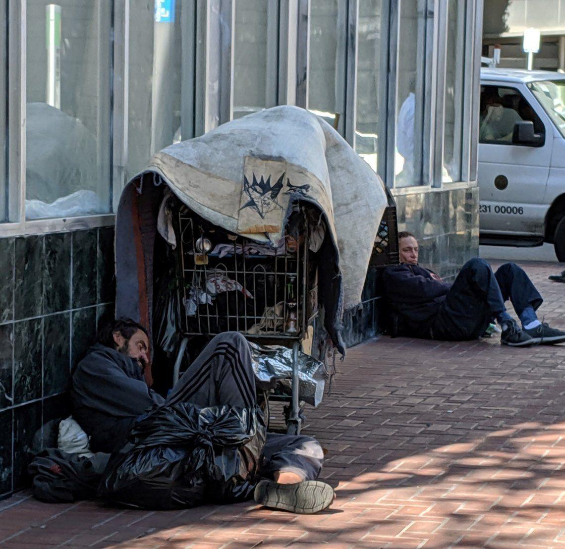 Temen que el coronavirus haga estragos entre quienes viven en la calle.