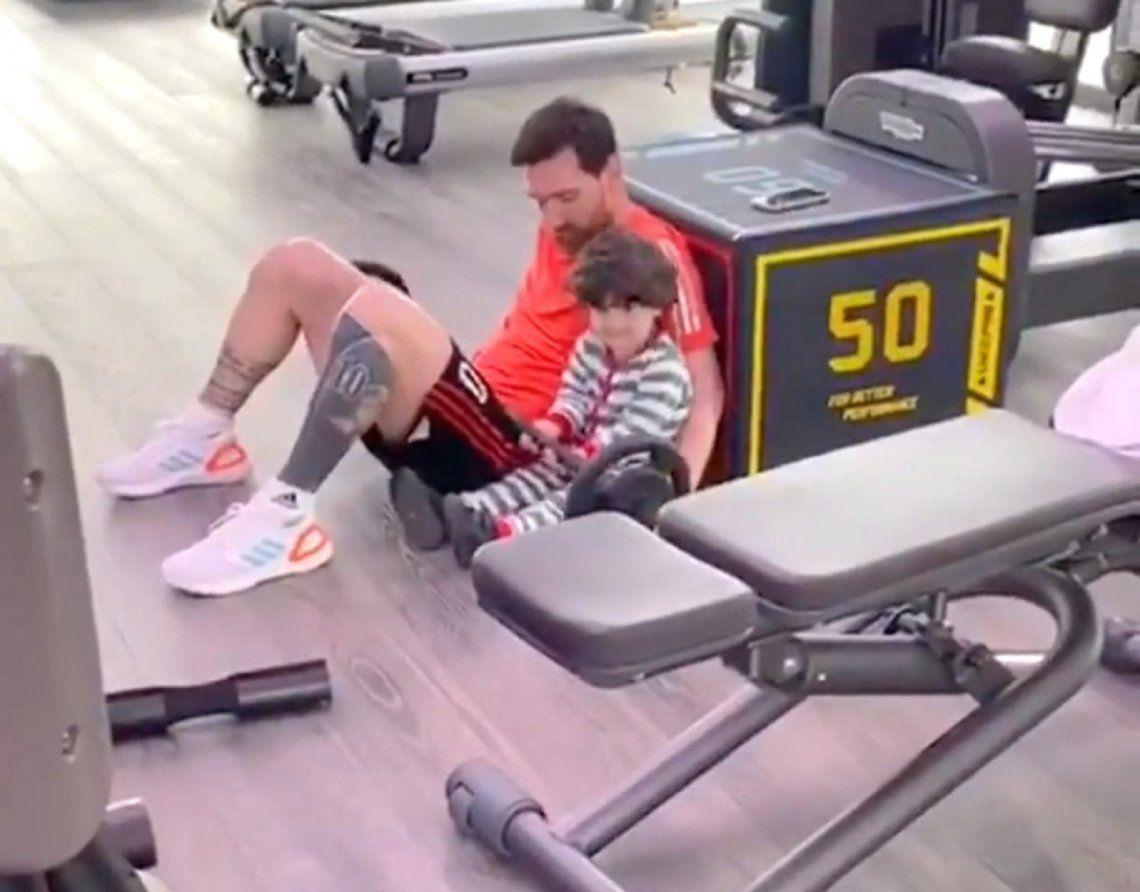 Cuarentena por Coronavirus: Messi entrena en casa junto a su hijo