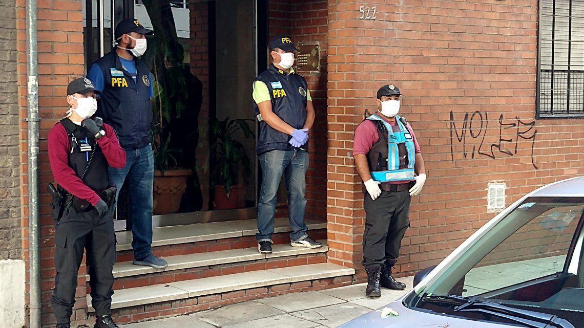 Coronavirus en Argentina: fue demorado por violar la cuarentena, lo liberaron, reincidió, volvió a salir a pasear y fue nuevamente detenido