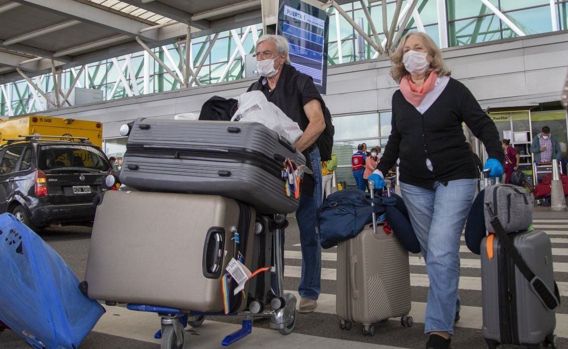 Más de 2.900 argentinos volverán al país hasta el 26 de abril en 17 vuelos especiales