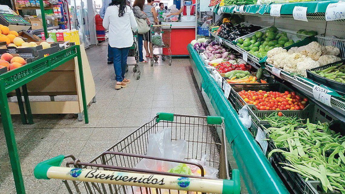 Advierten sobre faltantes de productos y suba de precios en frutas y verduras