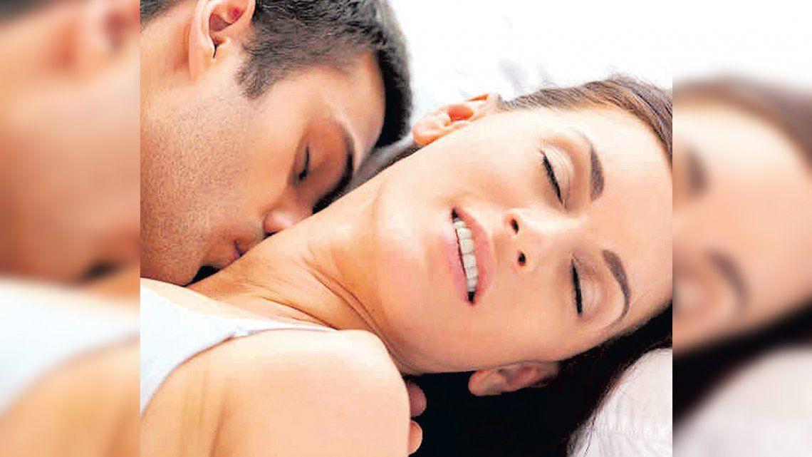 Nada de besos y al aire libre: la guía para tener sexo en pandemia de Covid-19