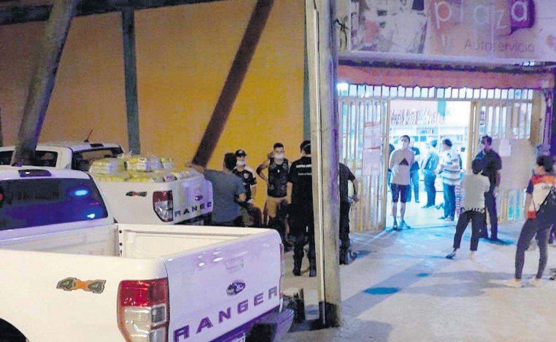 La mercadería fue secuestrada y el propietario del comercio permaneció demorado.