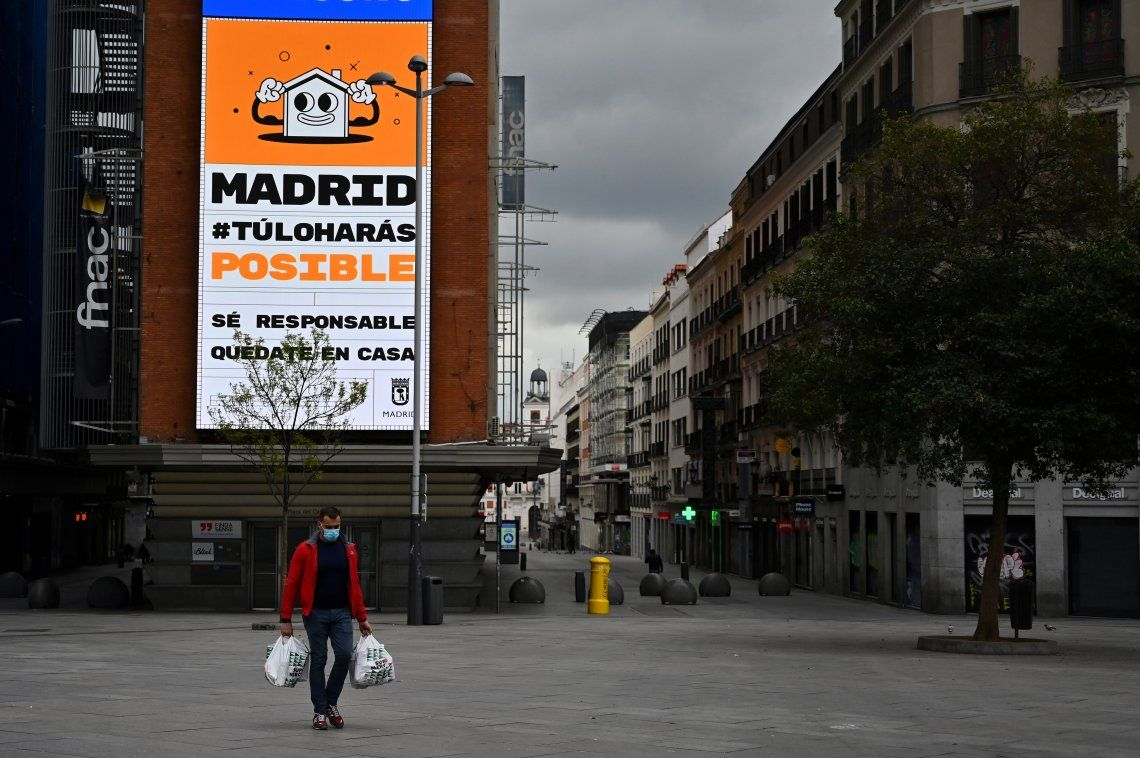 España suma 743 muertos y corta tendencia en baja