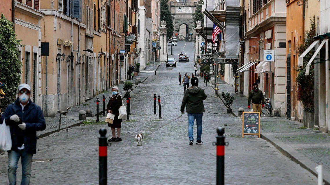 Coronavirus: subió la cifra de muertos en Italia pero bajaron los contagios