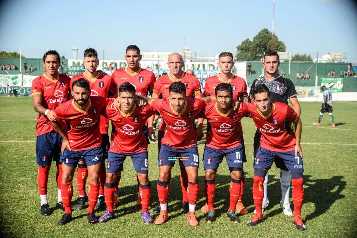 Los futbolistas de Español: comen en merenderos o revientan la tarjeta