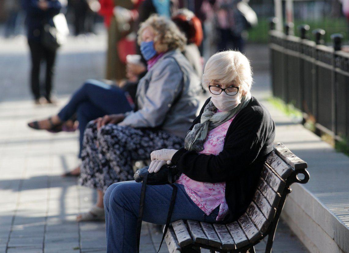 Frío e interminable espera para los jubilados.