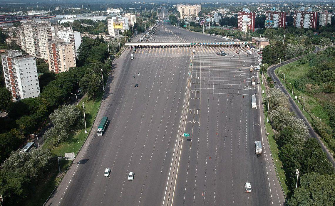 El tránsito se vio afectado por las diferentes restricciones de los decretos.