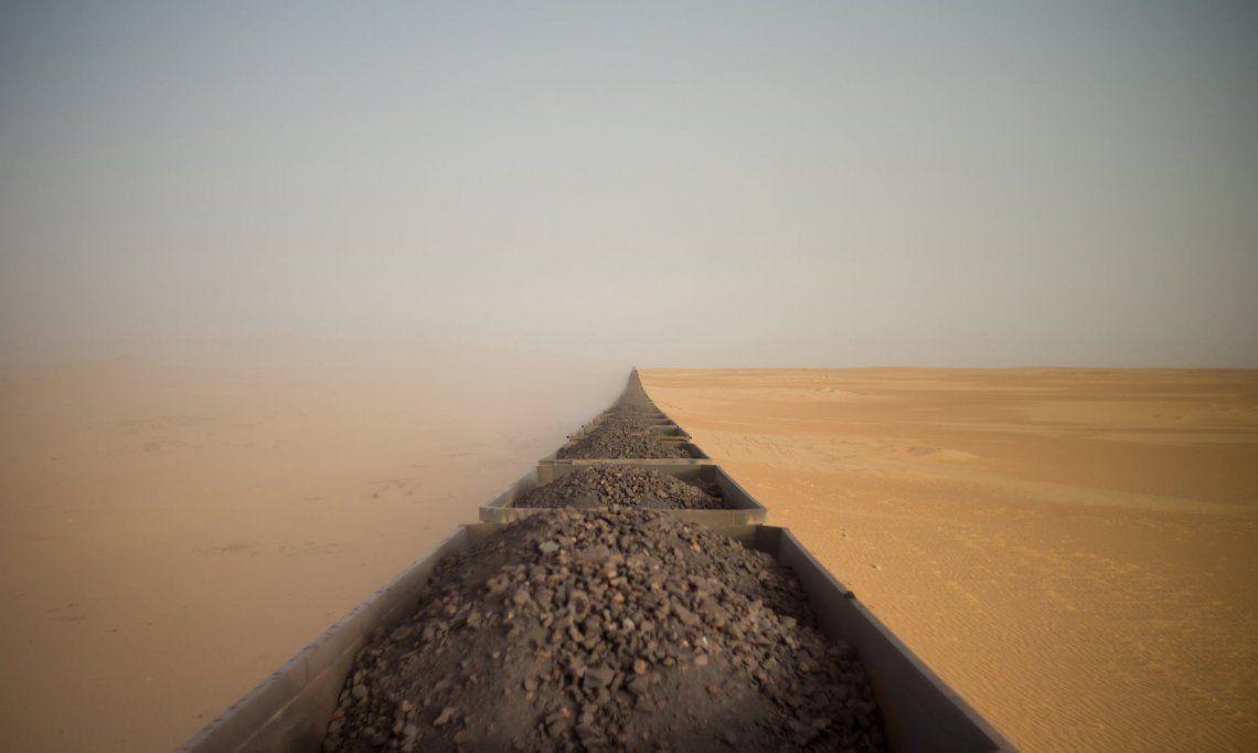 Tren de mineral de hierro en Mauritania